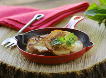 croutons ( slice baguette)   fried in a pan