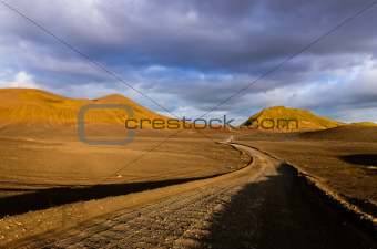 Road with the horizon in Landmannalaugar mountains