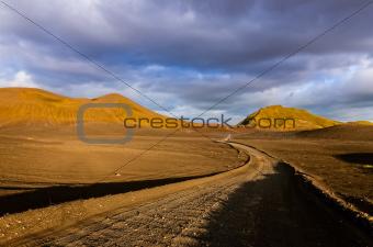 Road with the horizon in Landmannalaugar mountains