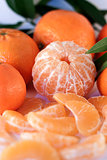 peeled mandarin and slices