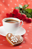 Gingerbread heart with coffee and roses