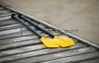 pair oars on the pier