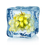 Ice cube and green grapes