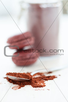 Cocoa powder and macaroons