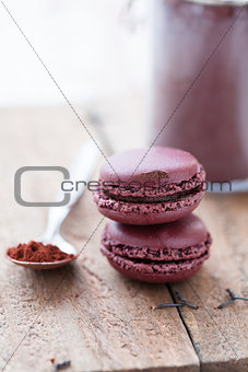Two macaroons and cocoa