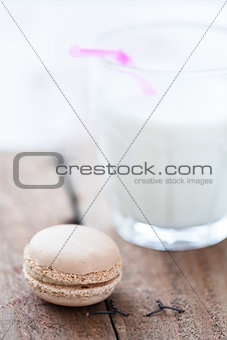 Macaroon and milk