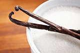 vanilla pods and sugar