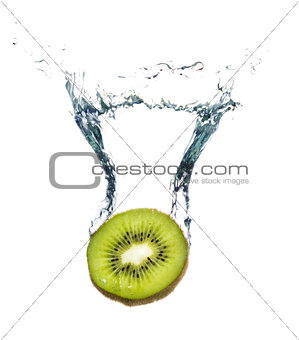 Kiwi splashing in the water