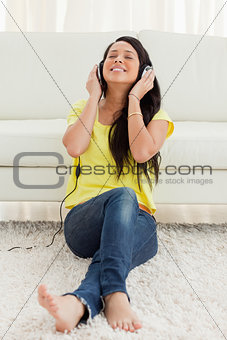 Pretty Latin enjoying music