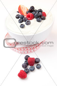 Tape measure and berries cream