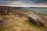 View along Curbar Edge towards Froggatt&#39;s Edge in background, in