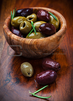 Delicious green and black olives