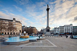 Trafalgar Square and Nelson&#39;s Column in the evening