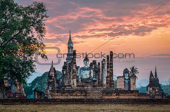 Sitting Budha in Wat Mahathat, Sukhothai historical park, Thaila
