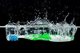 Toothbrush with splashing water