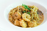 Linguini with Prawns and Scallops Closeup