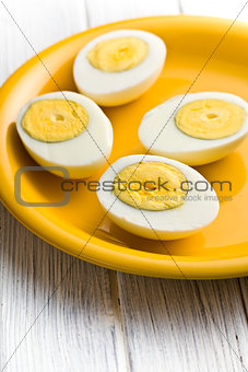 sliced boiled egg