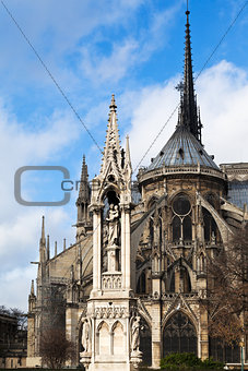 Fountain of the Virgin and Notre Dame de paris