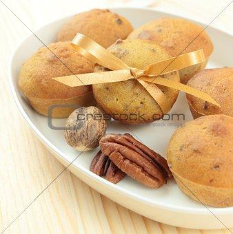 nut muffins