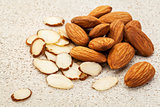 sliced raw almonds
