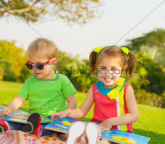 Kids read books
