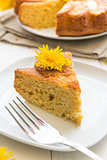 Cake with dandelion&#39;s flowers