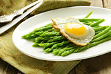 gourmet breakfast - asparagus with fried egg