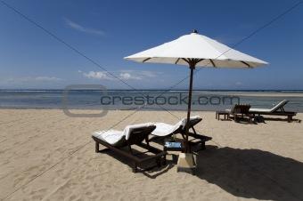 Beach chairs 8