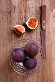 fresh figs and old knife