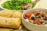 Green salad, tomatoes, bread