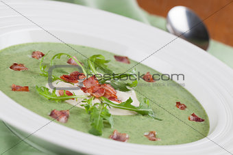 Arugula cream soup