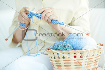 Knitting clothes