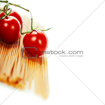 whole wheat spaghetti with tomatoe