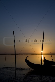 Moliceiro boat on sunset