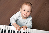 baby play black and white piano