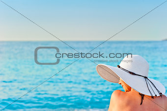 girl in white hat