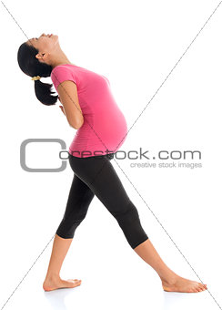 Asian pregnant woman doing exercise