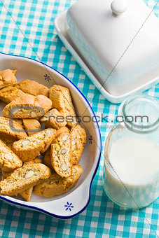 cantuccini cookies on kitchen table