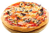 Pizza with tomatoes, mushrooms and purple basil.