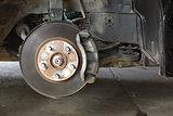 Front disk brake on car