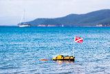 Floating scuba presence buoy