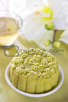 Green tea  mooncake