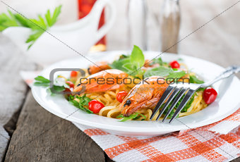 Macaroni with shrimps
