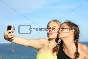 girls on vacation