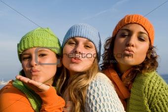 happy smlining teens