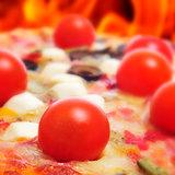 pizza in a forno a legna