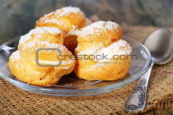Cakes with custard.