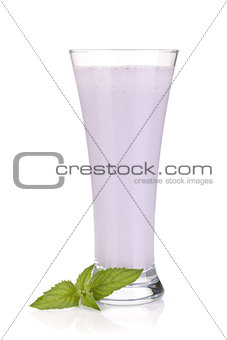 Blackberry milk smoothie with mint