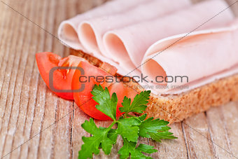 bread with sliced ham