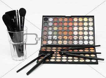 Cosmetic color powder and brush boxset